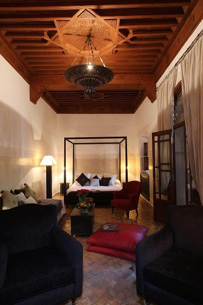 Rooms and suites villa nomade riad marrakech lavillanomade for Canape 180x200